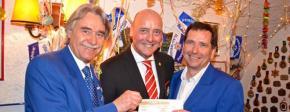 """1000-Euro-Scheck als """"Gastgeschenk"""""""